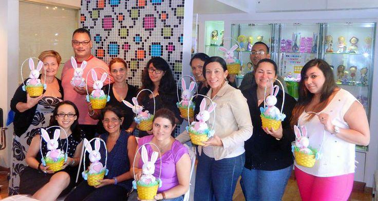 Curso Fofucho Bunny del sabado 12 de Abril. Tuvimos la visita de personas que tenían su primera experiencia con este arte como con algunos participantes que son experimentados.