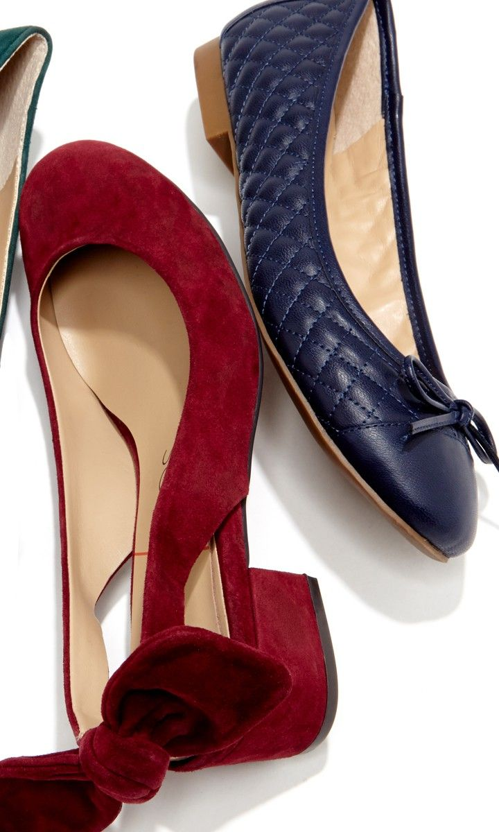 Block heels and bows, the perfect combination.