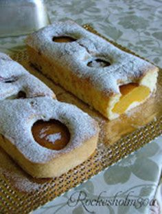 Snack with a cake with peach and lemon scent.This and much more for sale at Rockesholm30a!