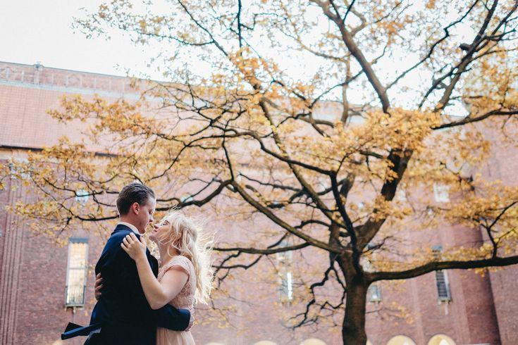 Hur går ett bröllop i Stadshuset till undrar du? Say no More! Kika här istället!  http://www.brollopistadshuset.se/brllopsfotograf-linda-rehlin-brollop-blogg/2016/11/28/brollop-i-stadshuset-sa-gifter-man-sig-borgerligt