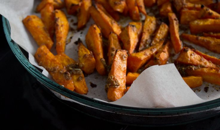Запеченная морковь в духовке с чесноком и вустеровским соусом: как приготовить, рецепт вегетарианского блюда