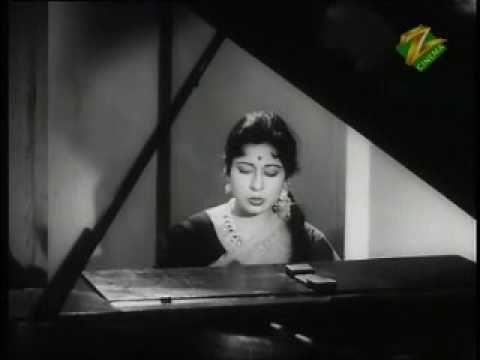 Sab Kuch Luta Ke Hosh Mein Aaye-Lata Mangeshker-Ek Saal - YouTube