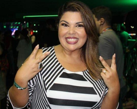 Fabiana Karla faz festa em estilo anos 1980 para comemorar 40 anos #Anos1980, #Atriz, #Celebridades, #Comediante, #Famosos, #Festa, #Mundo, #True, #ZorraTotal http://popzone.tv/2015/10/fabiana-karla-faz-festa-em-estilo-anos-1980-para-comemorar-40-anos/