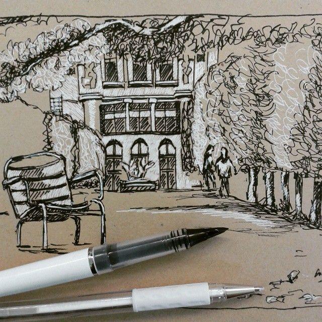 Skizzieren auf braunem Papier mit dem Pentel Tradio mit Federspitze und dem Pentel Hybrid Gel Stift in Weiß. So können tolle Akzente gesetzt werden ;-) #pentel #pentelarts  #pentel.eu #Tradiofountainpen #gelstift #urbansketching #skizzieren #landschaft #urban #nature #kontrast #pentel_eu