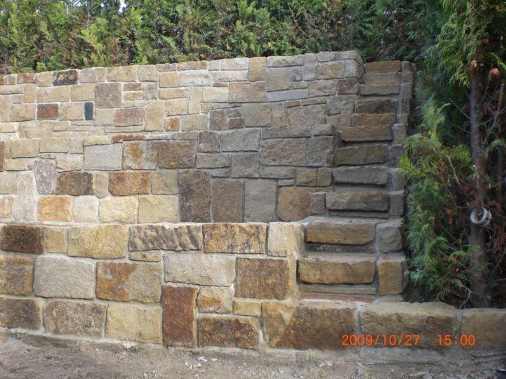 25 best ideas about natursteinmauer auf pinterest for Gartenpool eingebaut