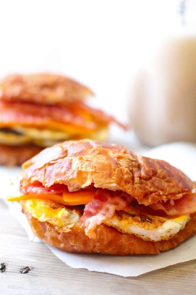 DIY: Quick & easy frozen croissant breakfast sandwiches to last all week!