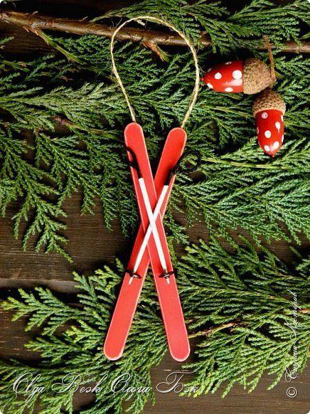 Мастер-класс Поделка изделие Новый год Рождество Моделирование конструирование Новогодние украшения из палочек от мороженного Жёлуди Картон Клей Краска Ленты Магниты Материал бросовый Прищепки Ткань фото 14