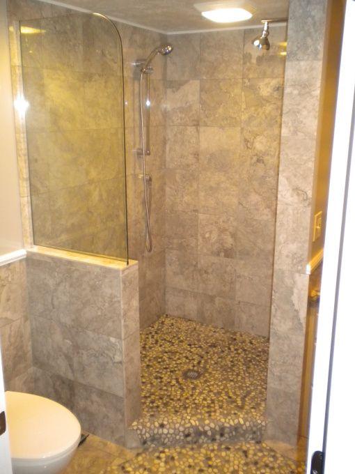 walk in shower designs no door space walk in no doors and double shower head. Black Bedroom Furniture Sets. Home Design Ideas