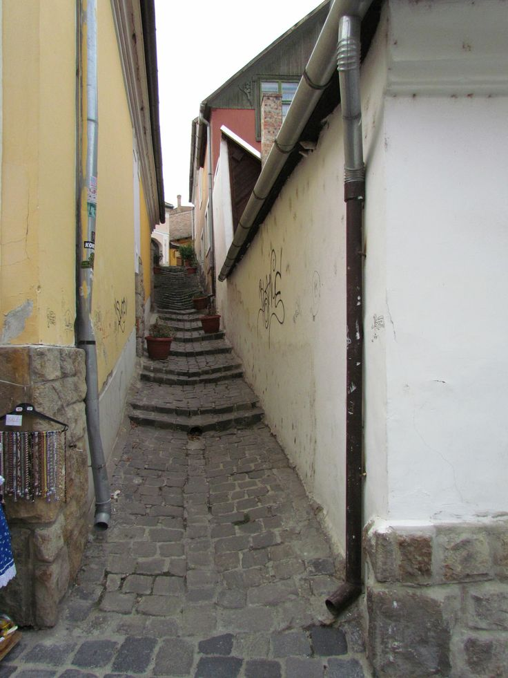 A back alley, Szentendre, Hungary