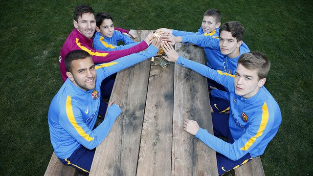 Leo Messi shares Ballon dOr with the youth teams