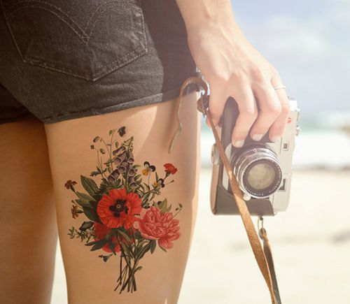 15 Beautifully Feminine Floral Tattoos