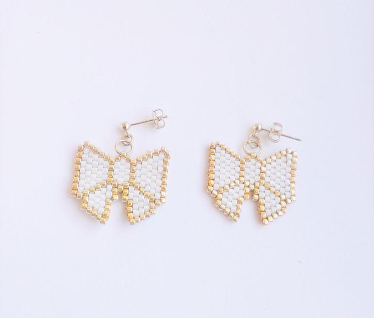 Perles Boucles doreilles noeud boucles doreilles par ShineAndBloom