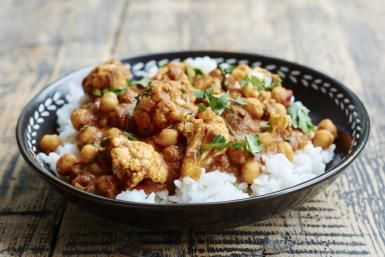 Gobhi Chana Tikka Masala is a lovely vegetarian alternative to a non-vegetarian Indian favorite! You can make it with many different vegetables but this combination of chickpeas and cauliflower tastes really good!