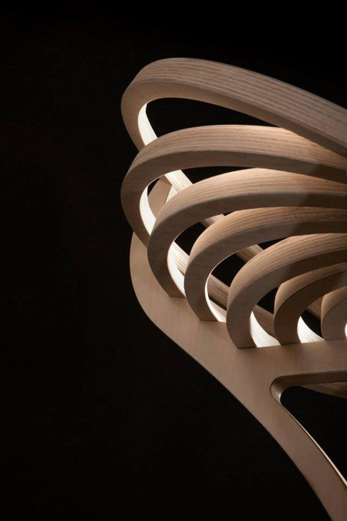 Octave le fauteuil spirale par Estampille 52 - design bois ébénisterie France - meuble design