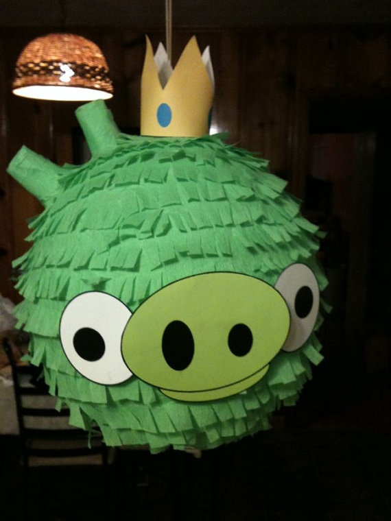 angry birds pinata. awesome.