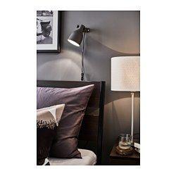 IKEA - TRYSIL, Structure de lit, Grand deux places, Luröy, , La tête de lit inclinée vous permet de lire confortablement au lit.Les côtés de lit sont réglables. On peut donc utiliser des matelas de différentes épaisseurs.Les 17 lattes en multiplis de bouleau s'adaptent au poids du corps et augmentent la souplesse du matelas