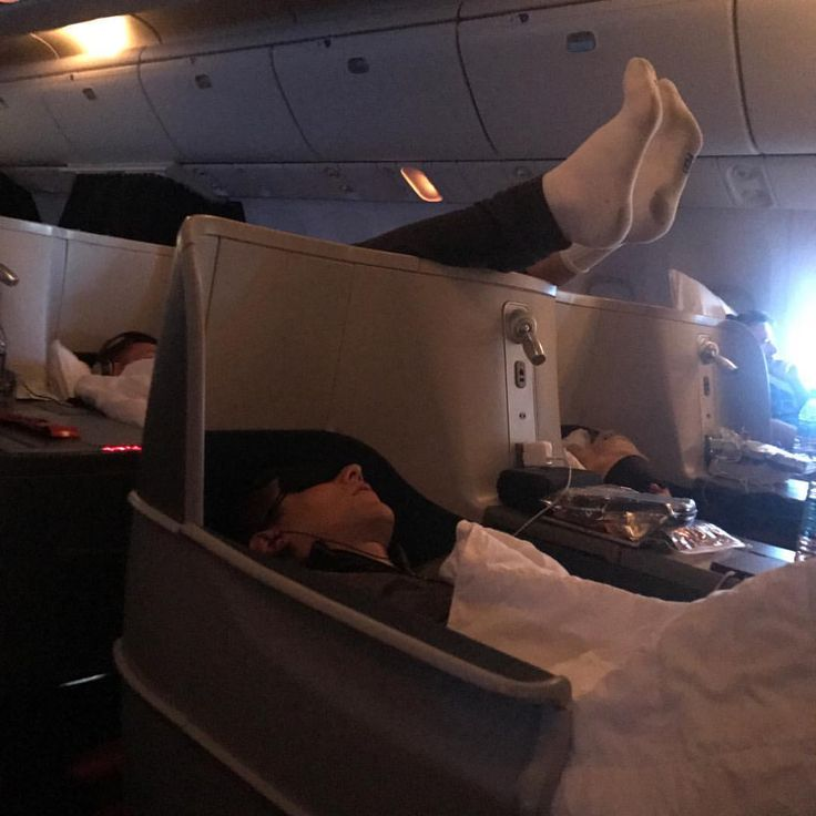 "131.4k Likes, 1,162 Comments - Rob Gronkowski (@gronk) on Instagram: ""Hey all, do you think I fit properly on planes?  #sleepy"""