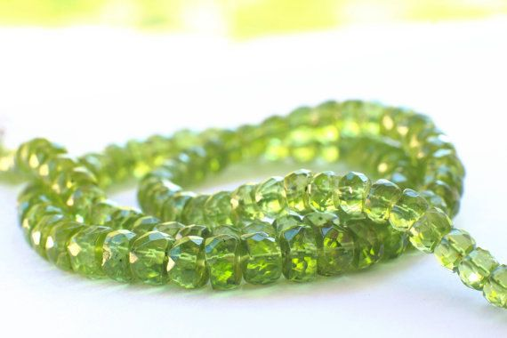 Peridot necklace / faceted summer necklace / P02 / green