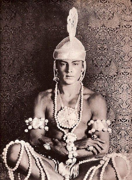 My Bohemian History ~ My Bohemian Boyfriend  hollywoodsgoldenage:    Rudolph Valentino