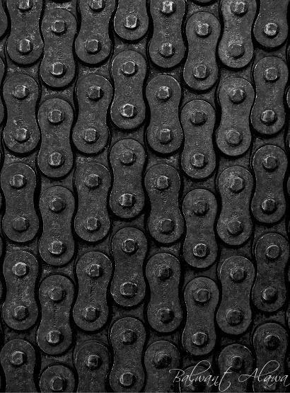 Black | 黒 | Kuro | Nero | Noir | Preto | Ebony | Sable | Onyx | Charcoal | Obsidian | Jet | Raven | Color | Texture | Pattern | Styling | Links | Chain | Industrial