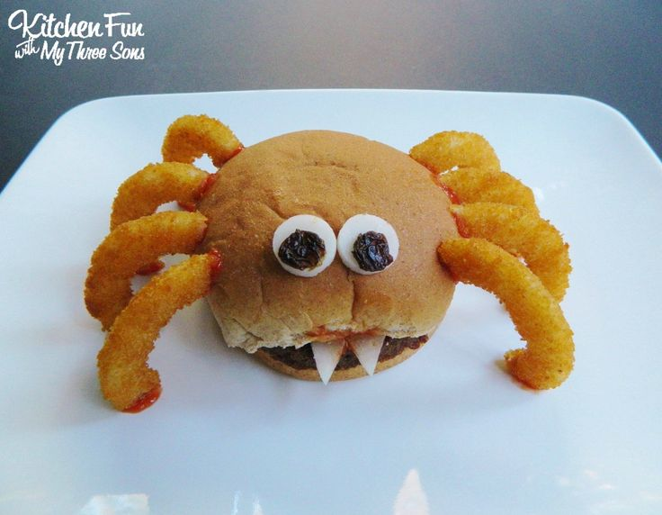 We turned our burgers into these fun Halloween Spider Burgers the other night for dinner. My boys...
