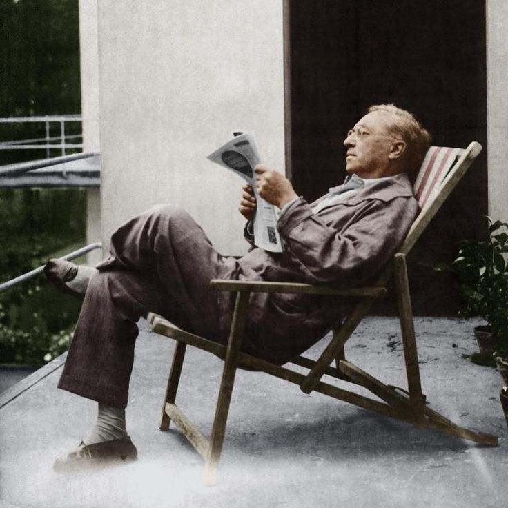 Wassily Kandinsky on his Masters' houses by Walter Gropius