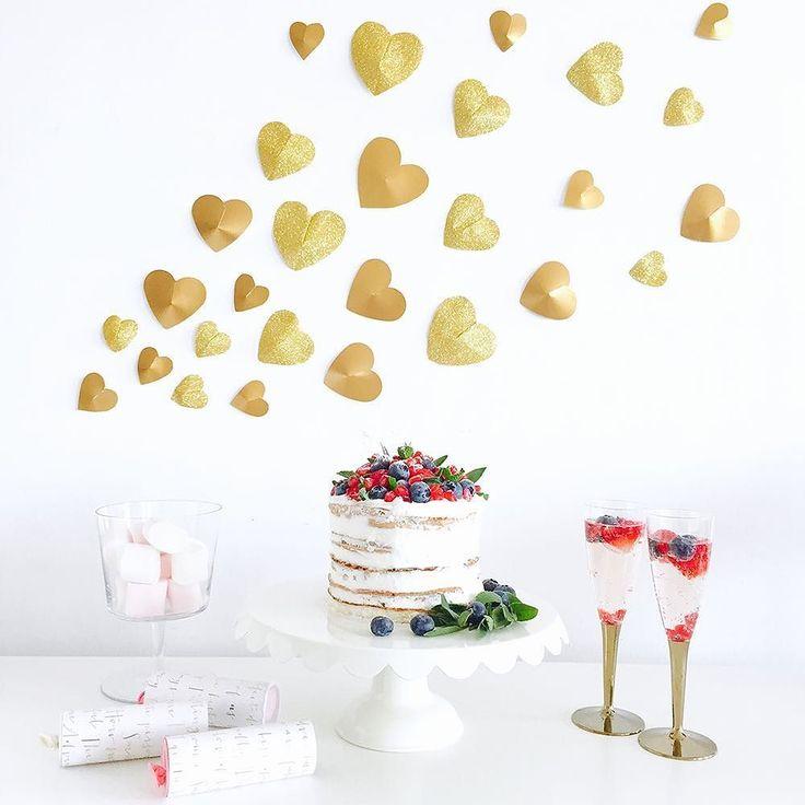 パーティー空間をオシャレに演出するにはまずはパッと目に入る壁を装飾するのがコツそこで今日は簡単diyでバレンタインにぴったり壁に飾れる立体ハートの作り方をご紹介今年は立体ハートを散りばめてみんなでワイワイバレンタインをテーマにホームパーティーを楽しんでみては . ARCH DAYSでこの記事を読む @archdays website: archdays.com TOP>ARTICLE . #heartdecor #valentinehearts #バレンタイン #バレンタインデー #立体ハート #ハート #プチプラdiy  #パーティー装飾 #ハートガーランド #ペーパーガーランド #ガーランド #インテリアデコレーション #バレンタイン準備 #キッズdiy #簡単diy #プレ花嫁diy #diy花嫁 #花嫁diy #会場装飾 #ウェディング装飾 #ネイキッドケーキ #パーティーグッズ #パーティーアイテム #ホームパーティー #ホムパ #子供と一緒に #子供と手作り #ハート型 #ハート形 #archdays