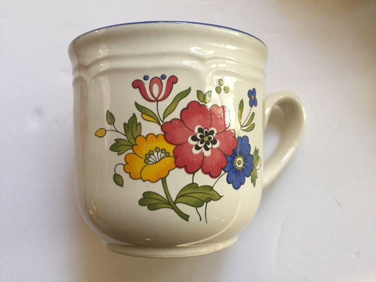 Mid Century Japanese Stoneware Mugs (set of 6) $35 at https://www.etsy.com/listing/497948895/mid-century-japanese-mugs-set-of-6-mugs #MidCentury #Mugs #floralmug #mugset #troppobella #vogueteam #vintageJapan