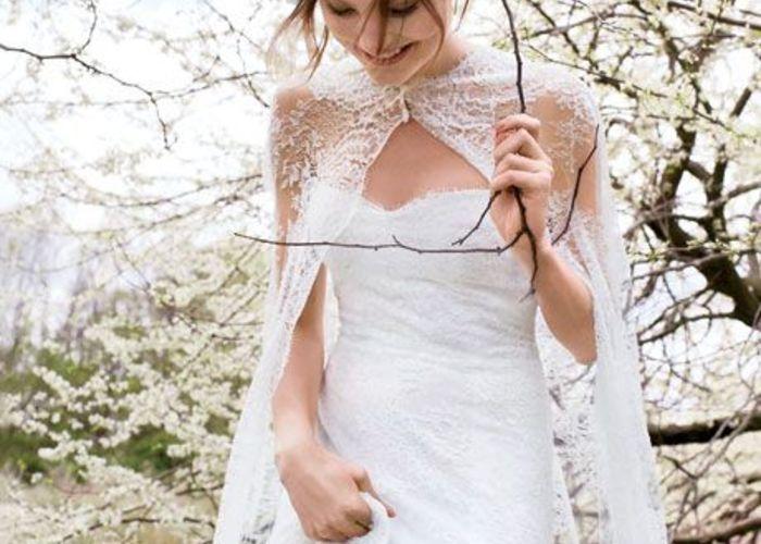 ボレロ&ケープが可愛い♡これからの季節に大注目のウェディングドレスのデザインcollection