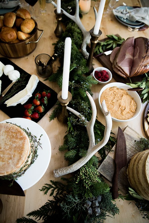 How to Style a Rustic Dinner Table for the Holidays #theeverygirl
