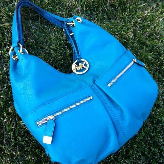 best 25 michael kors bags sale ideas on pinterest mk bags sale mk handbags and michael kors. Black Bedroom Furniture Sets. Home Design Ideas