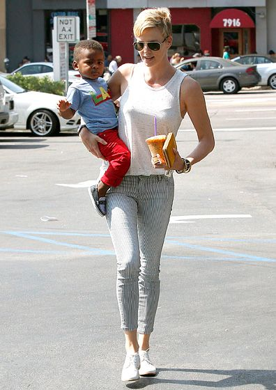 Have Jackson, Will Travel Charlize Theron toted son Jackson after a trip to a Coffee Bean & Tea Leaf in West Hollywood June 30.