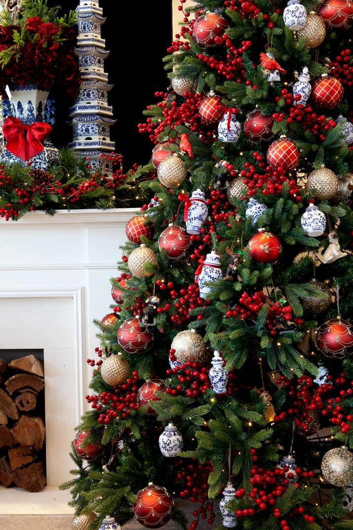 Red Berry Christmas Tree Christmas Tree Decorating Tips