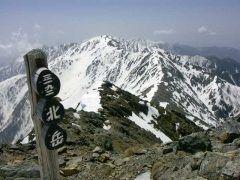 南アルプス北部にある北岳が日本で二番目に高い山ってことはあまり知られていないみたい 山頂からは富士山や白馬三山から穂高岳中央アルプスまでを一望できるんですよ 上級者向けの山ですね tags[山梨県]