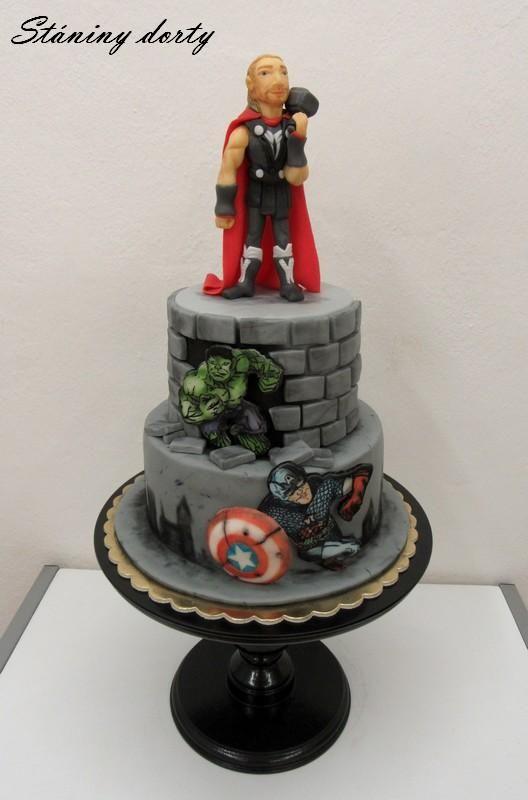 Thor, Hulk a kapitán Amerika. Ako vo filme, tak na torte!:)