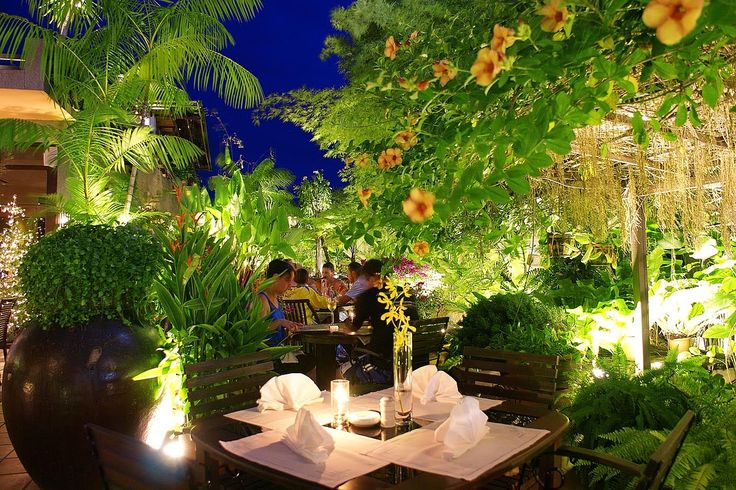 Ultra Beautiful And Luxurious Outdoor Garden Restaurant Design : Finest Dining With Perfect View: Get The Deluxe Yet Also Casual Experience From The Garden Layout of Luxury Restaurant