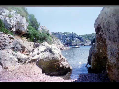 Fotos de: Islas Baleares - Menorca - 2º - La Costa y sus acantilados