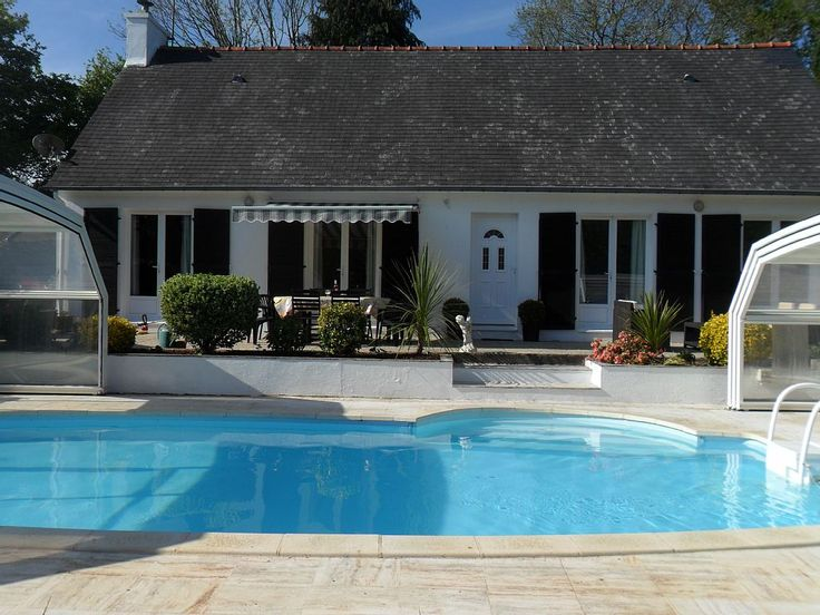 - Bungalow and Pool View
