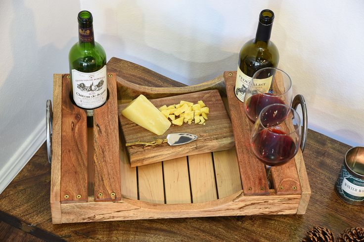 Reclaimed Wood Wine Serving Tray Más