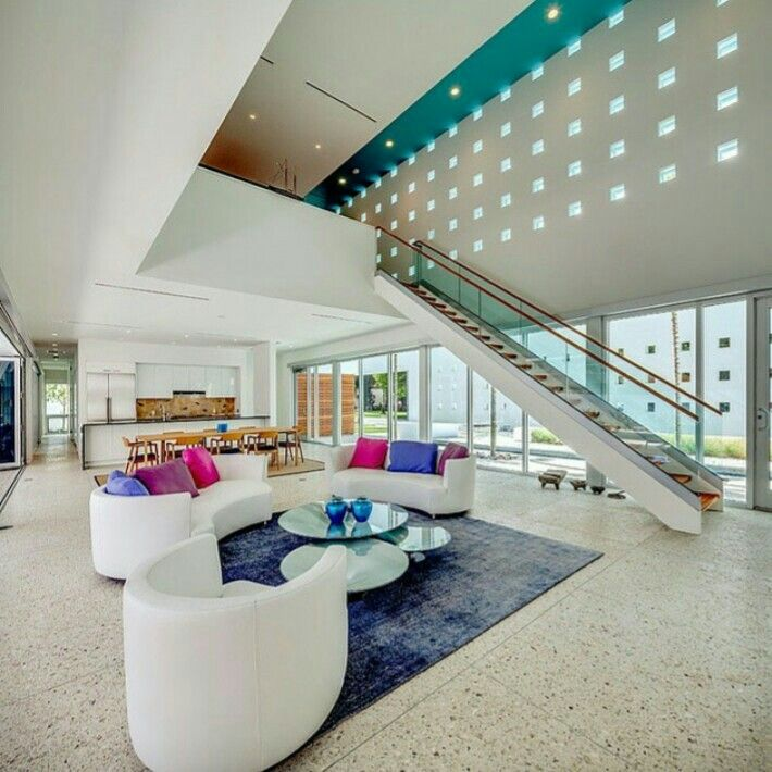 Sky house by Guy Peterson Office