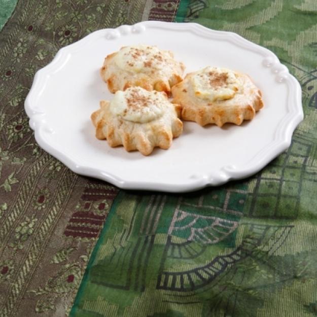 Recipe for Cretan Lihnarakia (Sweet anthotiro cheese filling pastries)