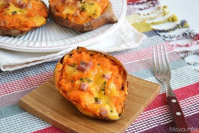Patate dolci ripiene, scopri la ricetta: http://www.misya.info/ricetta/patate-dolci-ripiene.htm
