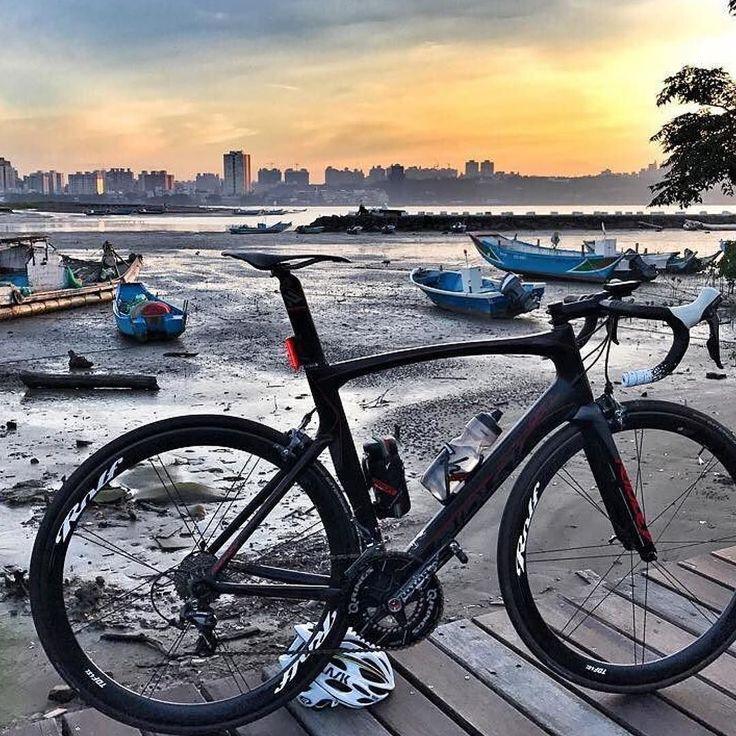 #Repost @titan0501 (@get_repost)  Beautiful day..... #RidleyTaiwam #Noah_SL #RolfPrimaTaiwan #TDF4SL #GUEE #Aero_X #Bartape #SLdual #cycling  #cyclingshots  #thegoodbikelife  #tothesun #cycling #outdoors #biking #bike #cycle #bicycle #instagram #fun