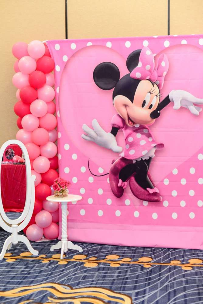 Pink Minnie Mouse Birthday Party Ideas Photo 2 Of 45 Minnie Mouse Birthday Party Decorations Minnie Mouse Party Minnie Mouse Birthday Theme