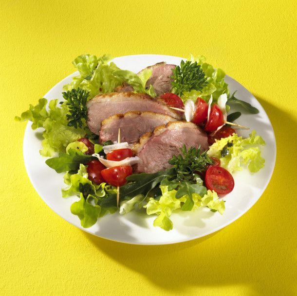 Entenbrust auf Rauke-Tomatensalat Rezept | LECKER