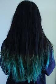 Resultado de imagem para cabelos loiro com mechas verde agua tumblr