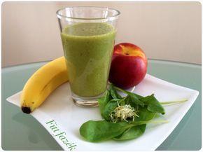 ÉLŐ reggeli ital. Banán – nektarin – spenót – jégsaláta – lucernacsíra.