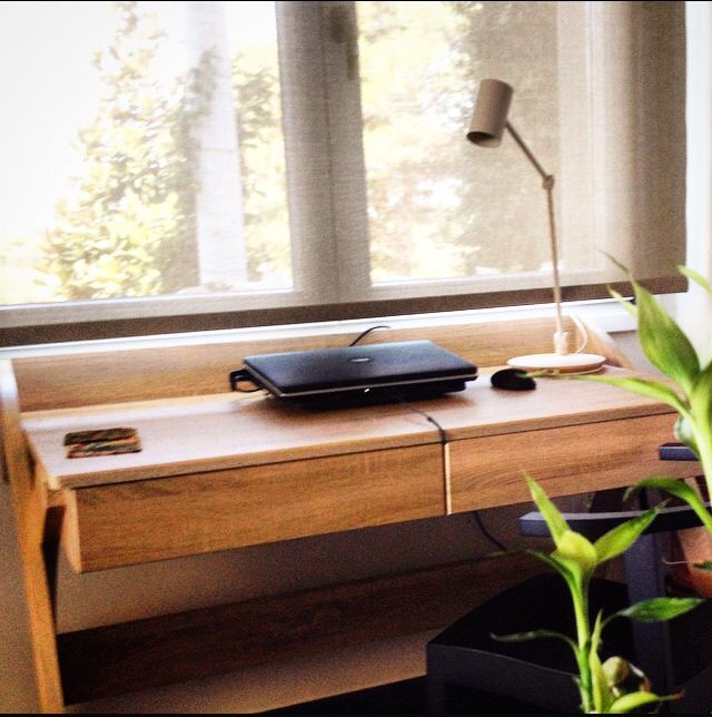 Wifi hot spot diy .one desk .one laptop .some lucky bamboo flowers and the corner is full of beauty