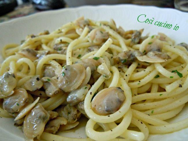 Spaghetti alle vongole (spaghetti coe cape)