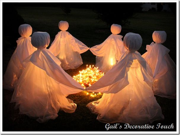 Gail has really done a great job with these ghosts dancing around a bonfire - very scary! Love it! Instructions are on her blog! From Gail's Decorative Touch